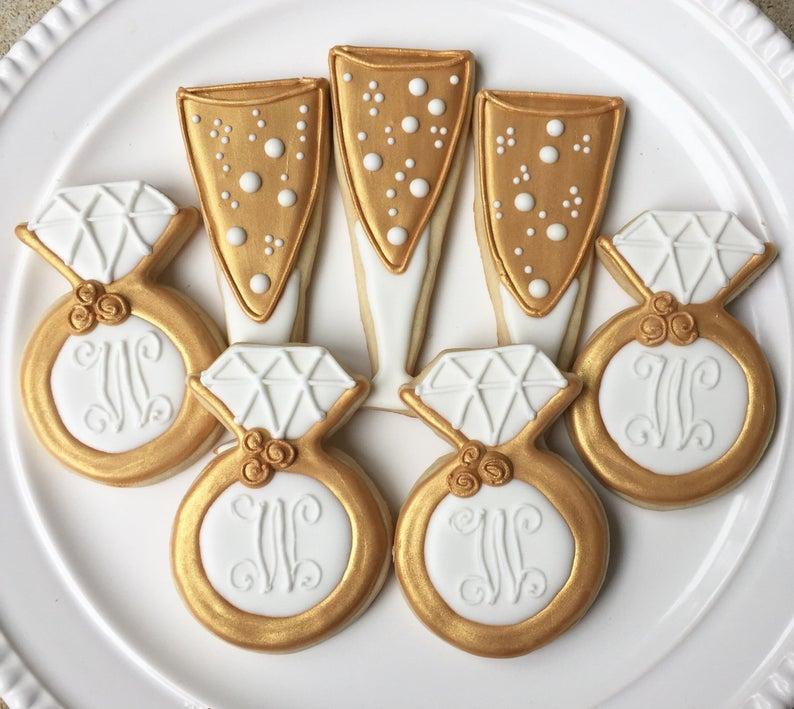 wedding sugar cookies, wedding shower cookies, bridal shower foods, bridal shower cookies, wedding favours, decorated wedding shower cookies, champagne cookies, wedding ring cookies, engagement ring cookies