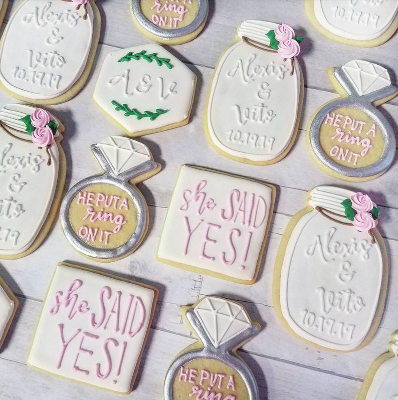 wedding sugar cookies, wedding shower cookies, bridal shower foods, bridal shower cookies, wedding favours, decorated wedding shower cookies, engagement cookies