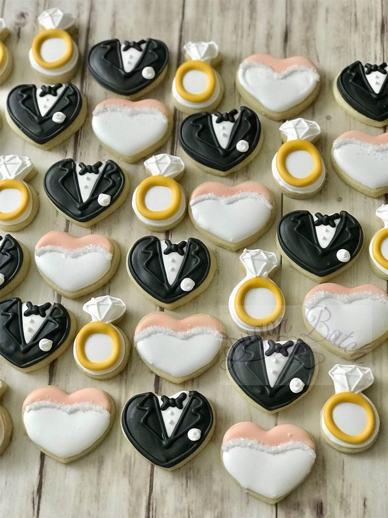 wedding sugar cookies, wedding shower cookies, bridal shower foods, bridal shower cookies, wedding favours, decorated wedding shower cookies