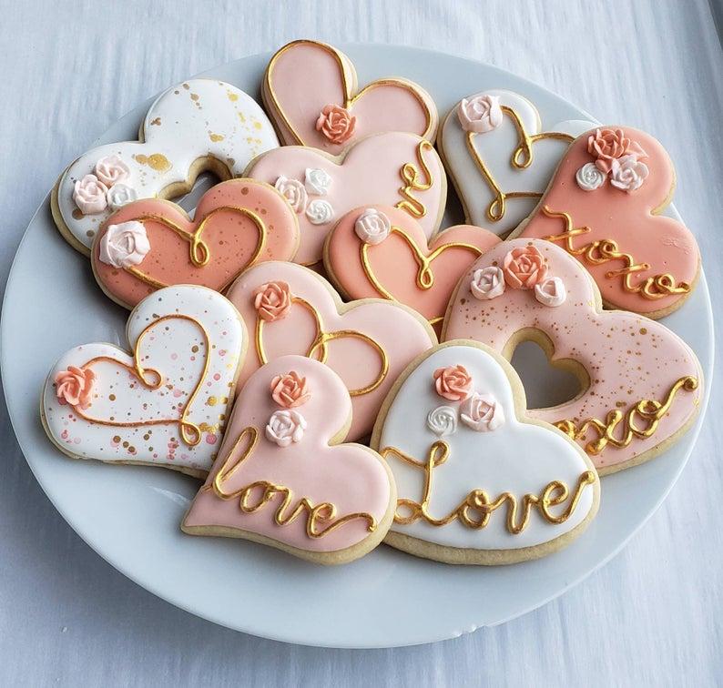 wedding sugar cookies, wedding shower cookies, bridal shower foods, bridal shower cookies, wedding favours, decorated wedding shower cookies, heart cookies, heart sugar cookies
