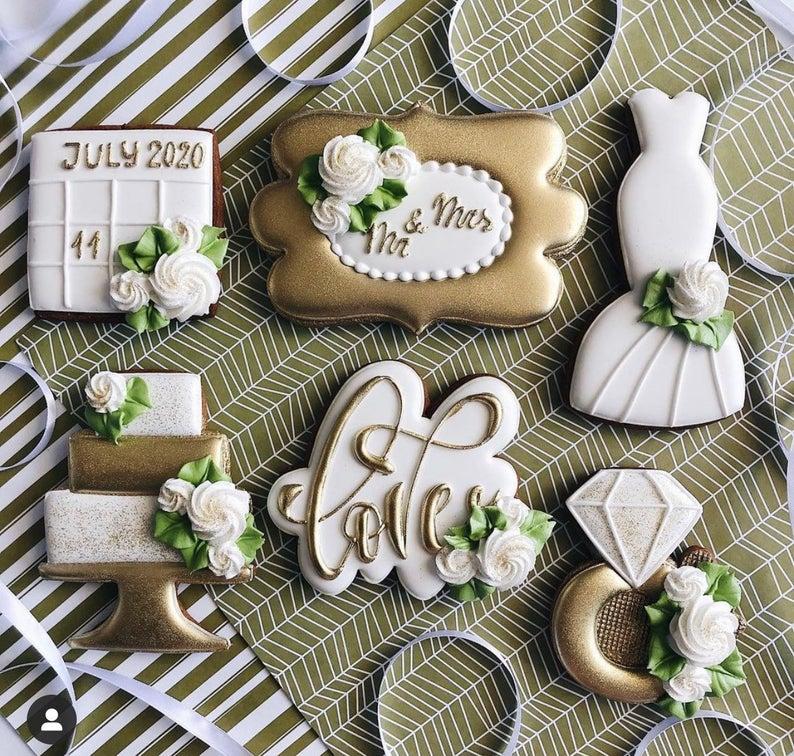 wedding sugar cookies, wedding shower cookies, bridal shower foods, bridal shower cookies, wedding favours, decorated wedding shower cookies, save the date cookies, wedding dress cookies