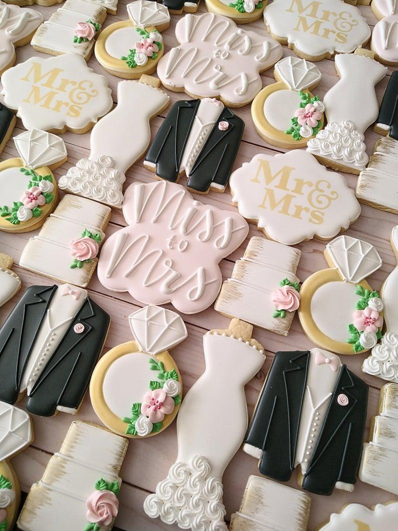 wedding sugar cookies, wedding shower cookies, bridal shower foods, bridal shower cookies, wedding favours, decorated wedding shower cookies, engagement cookies, wedding dress cookies