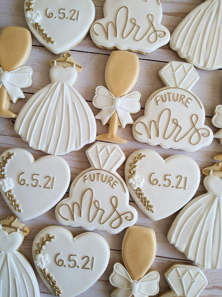 wedding sugar cookies, wedding shower cookies, bridal shower foods, bridal shower cookies, wedding favours, decorated wedding shower cookies, future mrs cookies