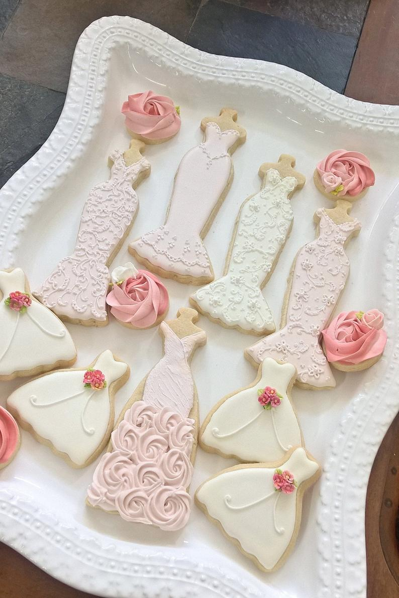 wedding sugar cookies, wedding shower cookies, bridal shower foods, bridal shower cookies, wedding favours, decorated wedding shower cookies, wedding dress cookies